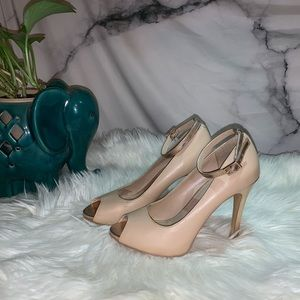 Open-toed Skinny Heel with ankle strap
